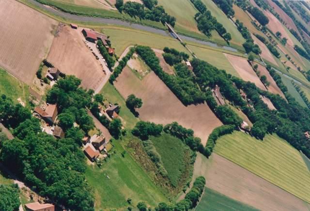 Luftbild von Bunnen - Hase - Aufnahme von Monika Vogelsang und Einhard Pape