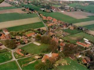 Luftbild von Bunnen - Aufnahme von Monika Vogelsang und Einhard Pape